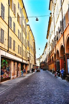 #modena #italy Old Town Italy, Places Ive Been, Places To Visit, Modena Italy, Italy Street, Parma, Bridges, Roads, Old Things