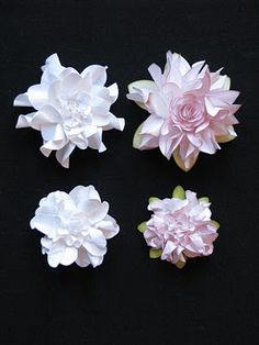 great site for lots of fabulous paper flowers.  Simplypaperandcreativity.blogspot