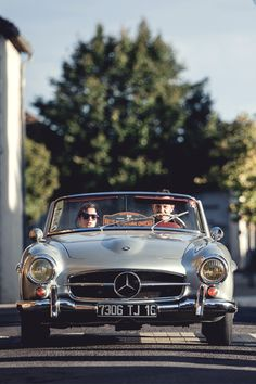 Hello and welcome to this little corner of the internet. We are four girls with a penchant for the. Mercedes Benz 190, Mercedes Benz Cars, Mercedez Benz, Classic Mercedes, Cabriolet, Amazing Cars, Exotic Cars, Vintage Cars, Retro Cars