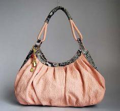 Feminine Design Products 2011 – Beauty Handbag Louis Vuitton