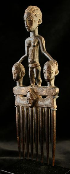 Africa | Comb from the Baule people of the Ivory Coast | 20th century | Wood