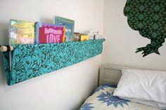 Una estantería infantil sin esquinas A la hora de decorar la habitación infantil, los papis siempre nos preocupamos por la seguridad de los peques. Protegemos los enchufes, evitamos cabl...