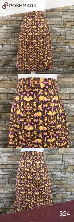 """Shabby Apple Brown Printed Straight Skirt Shabby Apple printed straight a kirt. Beautiful and expressive. Zips in the back. Unlined. Materials: 100% Cotton.   Size M  Measurements (laid flat) Waist 15.5"""" Length 26""""   Condition Excellent condition pre-owned. No flaws noted. shabby apple Skirts"""
