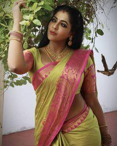 Beautiful Girl Indian, Most Beautiful Indian Actress, Beautiful Girl Image, Indian Bridal Couture, Curvy Girl Lingerie, Latest Designer Sarees, Indian Girls Images, Saree Models, Curvy Women Fashion