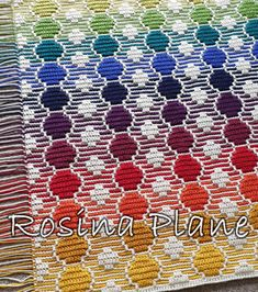 Bright and cheerful crochet blanket, which is really quick and easy to make, thanks to the overlay mosaic crochet technique. Crochet Home Decor, Crochet Crafts, Crochet Projects, Granny Square Crochet Pattern, Crochet Blanket Patterns, Crochet Blankets, Bubble Blanket, Crochet Crowd, Manta Crochet