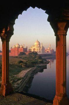 Taj Mahal India, Le Taj Mahal, Places Around The World, The Places Youll Go, Places To See, Around The Worlds, Agra, Beautiful World, Beautiful Places