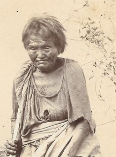 Rare 1890s cabinet mount photo of an Apache Squaw, aged 90 years old. Tremendous detail in the facre and apeparance of this Apache woman born circa 1805-1810.