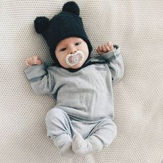 happily // ✧ I want one  of this JESSIAH I lend you my belly but first do it.. https://presentbaby.com