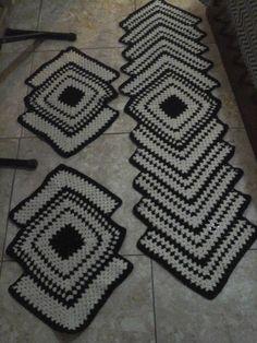 Fios e arte: Jogo de tapetes.