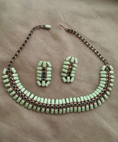 Beautiful Art Deco Emerald Rhinestone-Green Cabochon Necklace & Earring Set