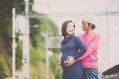 神戸の旧グッゲンハイム邸を貸し切って、結婚式の前撮りと併せて撮影するマタニティフォトの撮影。お家でもどこでも、お二人の好きなロケーションで撮影できるマタニティフォト。
