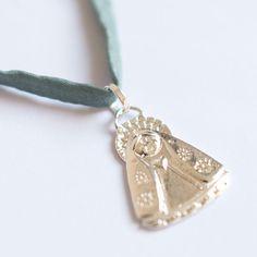 8d6a8cfecfc3 Las 16 mejores imágenes de Joyas grabadas   Engraved jewelry ...