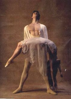 """Romeo e Giulietta"" Roberto Bolle and Alessandra Ferri Male Ballet Dancers, Ballerina Dancing, Dance Like No One Is Watching, Just Dance, Nureyev, Dance Movement, Dance Poses, Ballet Photography, Ballet Beautiful"
