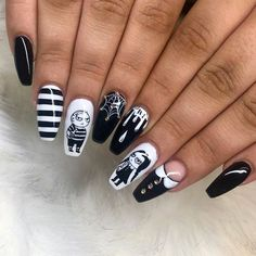 Addams Family Nails In Black-White Hues ❤ 50 Halloween Nails: Designs to Terrify and Delight Your Friends ❤ See more ide Cute Halloween Nails, Halloween Nail Designs, Scary Halloween, Halloween Recipe, Women Halloween, Halloween Costumes, Halloween Makeup, Halloween Decorations, Outdoor Decorations