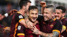 Francesco Totti/AS Rom wird in der 86. Minute beim Stand von 1:2 gegen Turin eingewechselt. Und dreht mit fast 40 Jahren das Spiel.