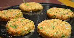 Receta de hamburguesas vegetarianas de calabacitas y zanahoria ... que son muy sabrosas y fáciles de preparar. #Hamburguesas_de_Calabacitas_y_Zanahoria #recetas #vegetarianos #hamburguesas #calabacitas #zanahoria