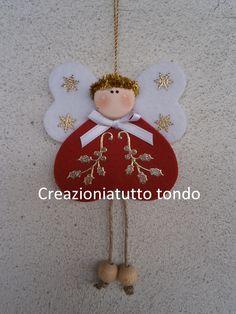 Angioletto Natale - 3 corazones dos son los mismos para las alas y una más grande para el cuerpo. Termine completo con decoraciones similares
