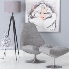 Een krachtige royale fauteuil met charme. Heerlijk met de beentjes omhoog om lekker uit te rusten na een lange (werk)dag!