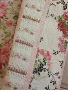 Keepsake Quilting Summer 2016 Keepsake Quilting, Border Ideas, Summer 2016, Quilts, Blanket, Quilt Sets, Blankets, Log Cabin Quilts, Cover