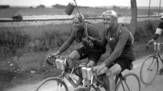 Fausto Coppi and Diot Paris Roubaix 1950 Vintage Cycles, Vintage Bikes, Vintage Racing, Paris Roubaix, New Bicycle, Bicycle Race, Cycling Art, Road Cycling, Grand Tour