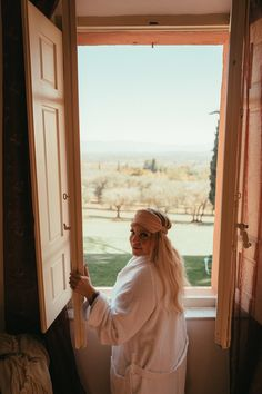 I recently visited Italy and one of the places I stayed in was a little town in Tuscany called Pozzo della Chiana. Tuscany Italy, Venice Italy, Italy Travel Tips, Travel Guide, Hawaii Outfits, Places In Italy, Italy Fashion, Visit Italy, Villas