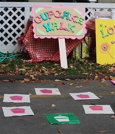 Cupcake walk- bigger scale & more fall festival-ly maybe? Spring Carnival, Kids Carnival, School Carnival, Carnival Birthday Parties, Carnival Games, Carnival Ideas, Circus Party, Fall Festival Games, Fall Games