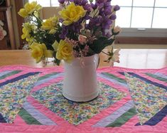 Items similar to Dresden Plate Quilt, French Country Blue & Pink Floral Quilted Table Topper, Candle Mat on Etsy