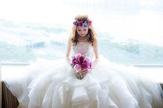 唯美浪漫的新娘造型: 大花環髮型+粉色紫色牡丹花球+公主蓬蓬裙婚紗!  Real Wedding: Zoie & Sun Wedding Day Real Wedding 新娘化妝: Sumsum.Star wedding makeup Real Wedding 婚禮攝影: Faction D Photography  更多作品: http://www.loveproject.hk/portfolio-items/zoie-sun-wedding-day/