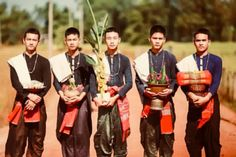 Traditional Thai Clothing, Thai Style, Floral Arrangements, Thailand, Asian, Costumes, Movies, Movie Posters, Outfits