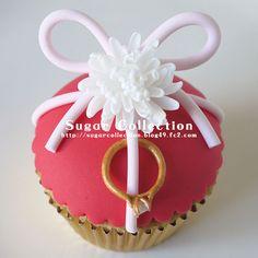 Ring cipcake by JILL's Sugar Collection, via Flickr