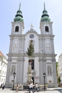 Heute habe ich für euch einen bunten Einblick in die Stadt Wien. Die Bilder entstanden spontan und intuitiv...einfach geknipst bei ei...