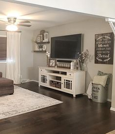 If you are looking for Farmhouse Living Room Tv Stand Design Ideas, You come to the right place. Here are the Farmhouse Living Room Tv Stand . Living Room Decor, Home Living Room, Apartment Decor, New Living Room, Home, Interior, Room Remodeling, Apartment Living, Farm House Living Room