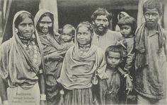Suriname. Britsch Indische Familie. Hindoes.ca 1900 Museum Volkenkunde. Dubbelklik voor meer info.