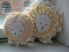 Doilies turned into lions