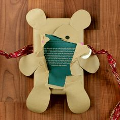 3 ideias de embrulhos originais para o Natal 3 original packages to give to your loved ones on Chris Diy Christmas Presents, Christmas Swags, Diy Presents, Christmas Mood, Diy Gifts, Christmas Crafts, Christmas Ornaments, Felt Christmas, Creative Gift Wrapping