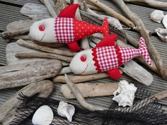 Móvil para el verano, detalle peces. Labores en el ático, Carmen María.