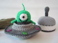 Crochet Alien Toy, Crochet Flying Saucer, Spaceship Toy with Alien by CROriginals