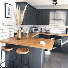 Strategy, formulas, along with guide when it comes to getting the best end result and coming up with the max use of Diy Kitchen Curtains Kitchen Room Design, Home Decor Kitchen, Kitchen Furniture, Kitchen Interior, Updated Kitchen, Open Plan Kitchen, New Kitchen, Cuisines Design, Cool Kitchens