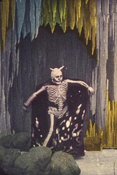 Le spectre rouge (The Red Spectre) Segundo de Chomón; Creepy, Scary, Cabaret, Danse Macabre, Silent Film, Weird And Wonderful, Memento Mori, Monster, Skull Art