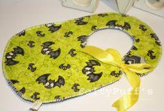 Bá Sweet Halloween♥  Com tecido temático e plastificado, fita de cetim Amarelo e botão forrado com tecido de interior.