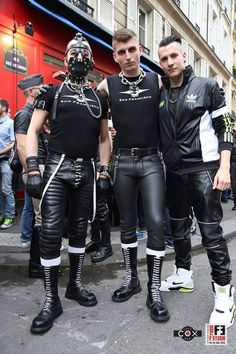 love the outfits with the leather pants and the skinhead boots Skinhead Boots, Punk Guys, Tight Leather Pants, Leather Trousers, Latex Men, Bike Leathers, Comfy Pants, Hairy Men, Leather Fashion