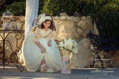 Fotografia de exteriores vestido de comunión fotógrafos Jaén