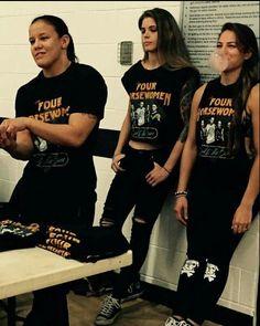 Shayna Baszler, Wwe Female Wrestlers, Queen Of Spades, Thing 1, Wwe Womens, Women's Wrestling, Ronda Rousey, Ufc, Ariana Grande