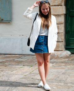 saia-de-botoes-jeans-com-blazer-listrado