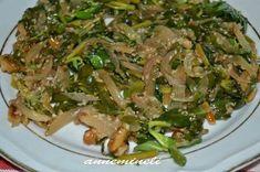 Cevizli Çam Fıstıklı Semizotu Salatası  -  Zehra Şener #yemekmutfak.com Çam fıstığı, ceviz, susam, karamelize soğan ve semizotuyla yapılan harika bir salatadır. Son derece sağlıklı ve lezzetli olan bu salata sıcak yaz günlerinde çok uygun bir seçimdir.