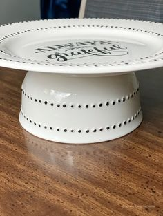 Dollar Tree Decor Using Ceramic Paint Dollar Tree Decor, Dollar Tree Plates, Dollar Tree Crafts, Dollar Tree Pumpkins, Dollar Tree Fall, Dollar Store Hacks, Dollar Stores, Diy Projects To Try, Crafts To Make