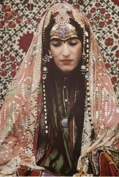 reconstruction of an Afghani Jewish bride's outfit, including head covering