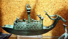 Cagliari. Museo Archeologico Nazionale. Models de vaixells en bronze    Cagliari. Museo Archeologico Nazionale. Models de vaixells en bronze