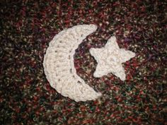 How to Crochet a Crescent & Star - Tutorial