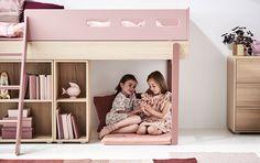 Børns behov skifter i takt med de udvikler sig – men det behøver indretningen af børneværelset ikke. Den nye Popsicle kollektion fra FLEXA, består af en samling senge, opbevaringsmøbler, skriveborde og tekstiler, der netop er udviklet til at passe til børns forskellige behov og aldre verden rundt. Skandinavisk design og godt håndværk Med de eksklusive …